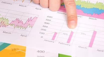 ホームページ制作の提案で活用できる統計情報