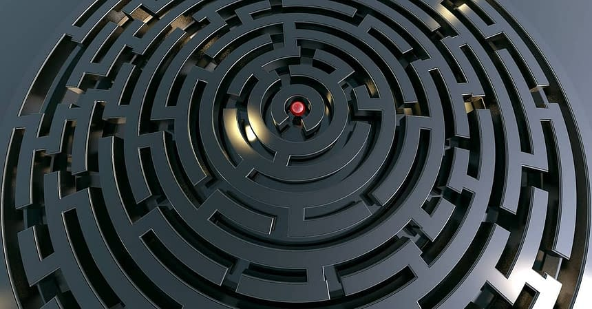 labyrinth-2037903_1280